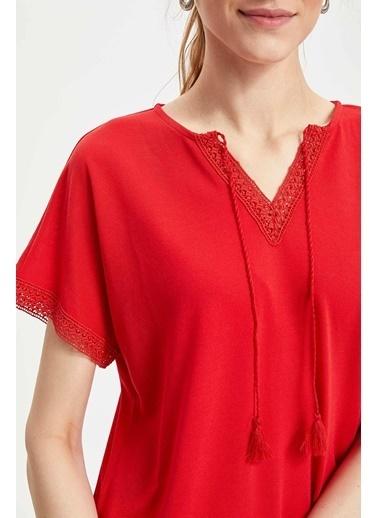 DeFacto Püsküllü Kısa Kollu T-shirt Kırmızı
